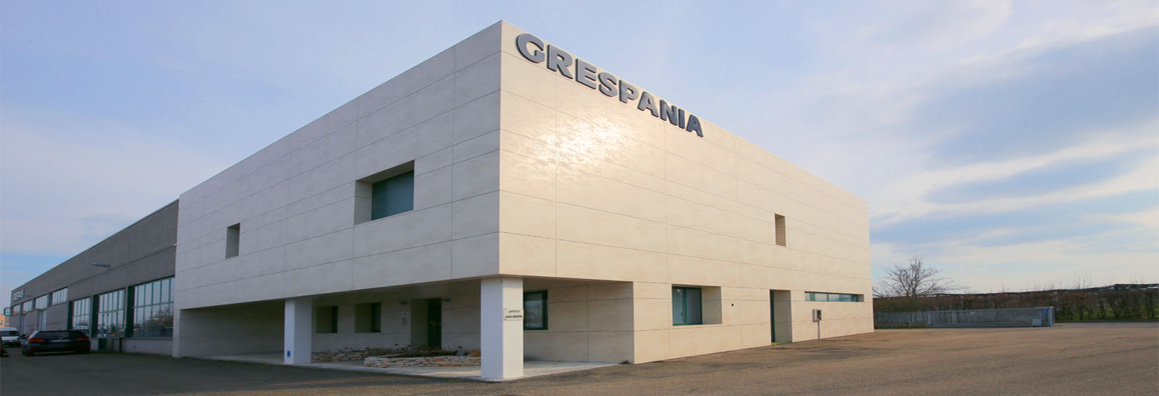 REFURBISHED EXHIBITION SPACE GRESPANIA ITALY