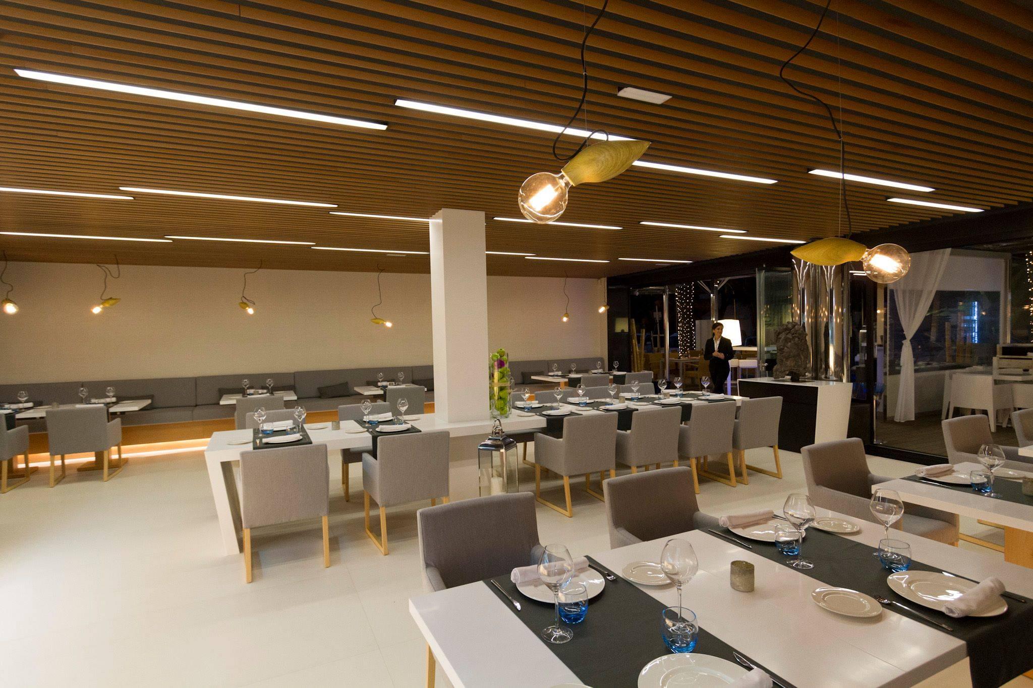 Proyectos de interiores y arquitectura con cer mica grespania for Oficina turismo turquia