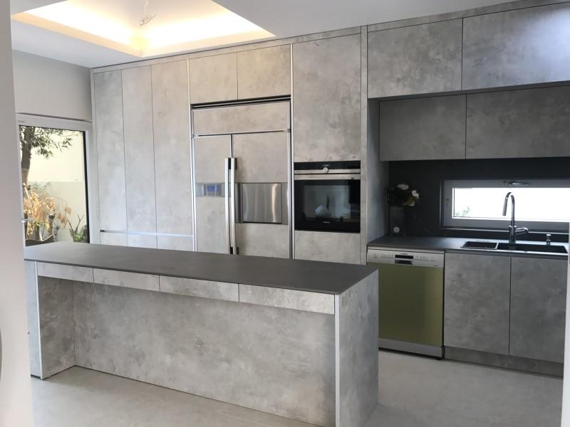 Proyectos de interiores y arquitectura con cer mica grespania for Mobiliario cocina restaurante