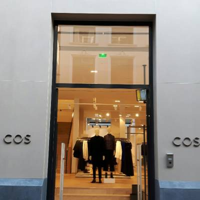 SHOP COS BY H&M, Netherlands